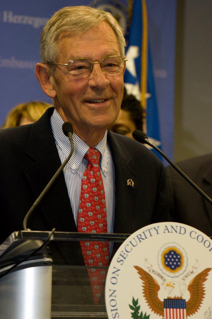 Former Senator and Helsinki Commissioner George Voinovich